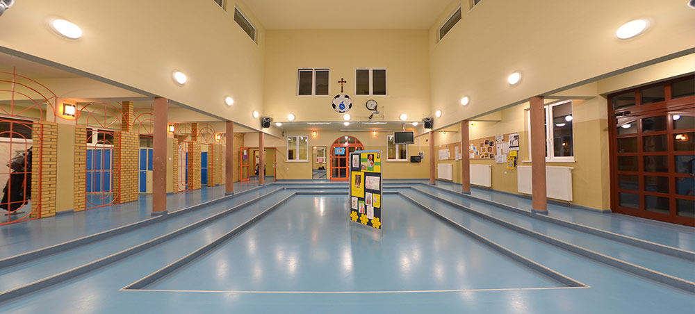 Hall w szkole w Resku